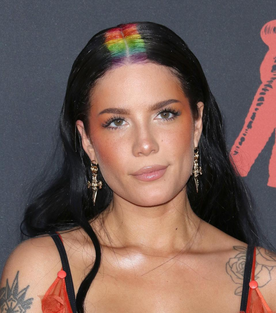 Halsey proved just how fun beauty is with her rainbow roots. Keeping things simple on the makeup front but fun up top, she killed this red carpet look.