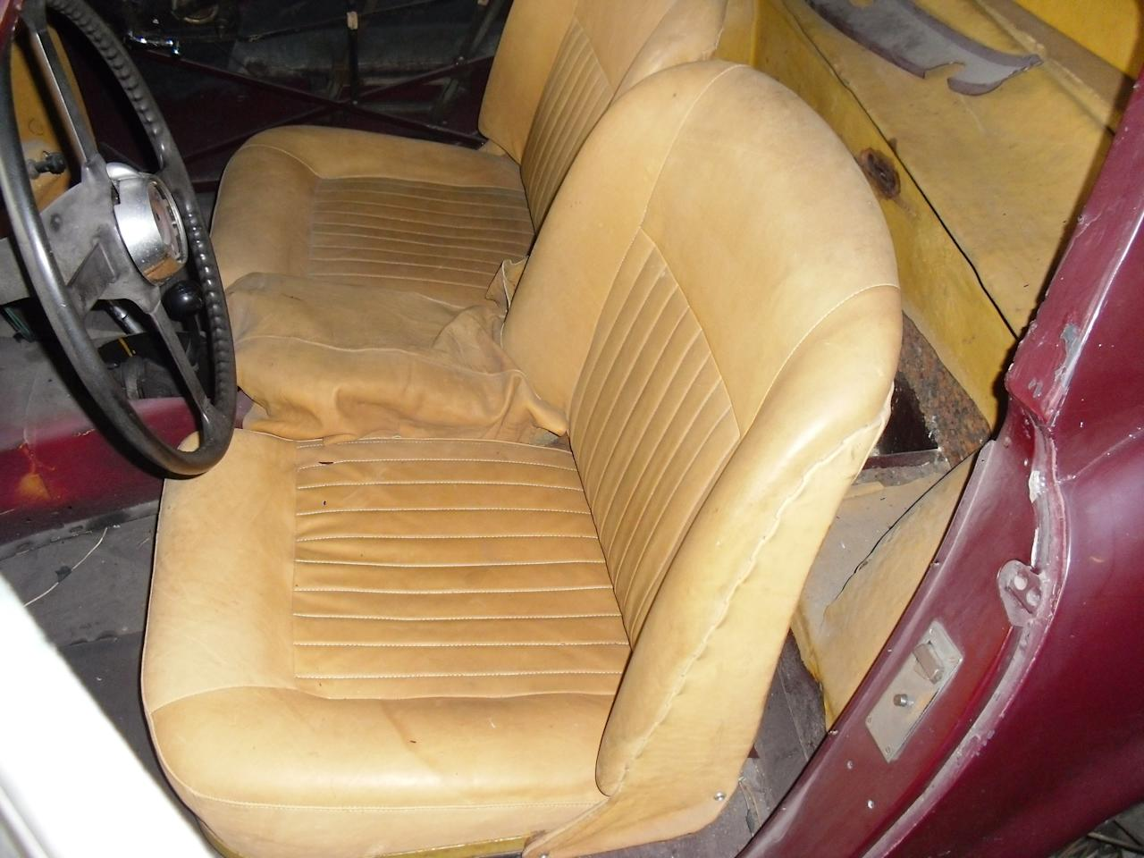 <p>The Jaguar was in pretty poor shape, as can be seen by the tired and rather battered seats. </p>