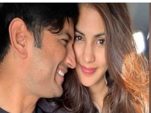 Rhea Chakraborty poses with late actor Sushant Singh Rajput (Image source: Instagram)