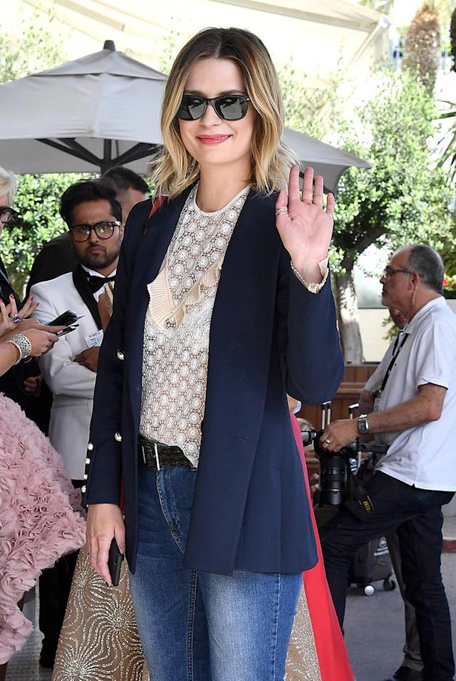 """<p>What we just said about Lindsay Lohan, but with <a href=""""https://www.yahoo.com/celebrity/tagged/mischa-barton/"""" data-ylk=""""slk:Mischa Barton"""" class=""""link rapid-noclick-resp"""">Mischa Barton</a>'s name subbed in. Here's <em>The O.C.</em> actress, who recently made headlines for <a href=""""https://www.yahoo.com/celebrity/mischa-barton-transported-hospital-police-020014486.html"""" data-ylk=""""slk:being drugged"""" class=""""link rapid-noclick-resp newsroom-embed-article"""">being drugged</a>, <a href=""""https://www.yahoo.com/celebrity/mischa-barton-crashes-u-haul-200103162.html"""" data-ylk=""""slk:crashing a U-Hau"""" class=""""link rapid-noclick-resp newsroom-embed-article"""">crashing a U-Hau</a><a href=""""https://www.yahoo.com/celebrity/mischa-barton-crashes-u-haul-200103162.html"""" data-ylk=""""slk:l"""" class=""""link rapid-noclick-resp newsroom-embed-article"""">l</a>, <em>and</em> being a <a href=""""https://www.yahoo.com/celebrity/mischa-barton-confirms-shes-victim-224400819.html"""" data-ylk=""""slk:victim of revenge porn"""" class=""""link rapid-noclick-resp newsroom-embed-article"""">victim of revenge porn</a>, photographed outside the five-star Grand Hyatt Cannes Hotel Martinez on May 21. (Photo: Jacopo Raule/GC Images) </p>"""