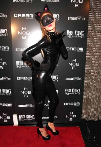 "<div class=""caption-credit""> Photo by: Getty</div><div class=""caption-title""></div>When you're all out of ideas, just go as Catwoman like model Doutzen Kroes did here. <br>"