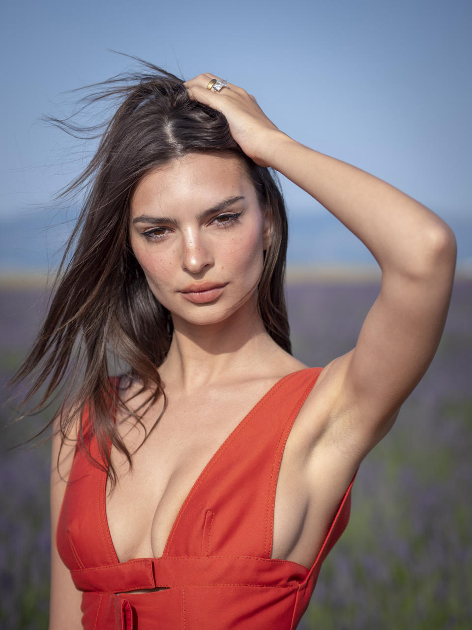 VALENSOLE, FRANCE - JUNE 24: Emily Ratajkowski attends the Jacquemus Spring Summer 2020 show on June 24, 2019 in Valensole, France. (Photo by Arnold Jerocki/Getty Images)