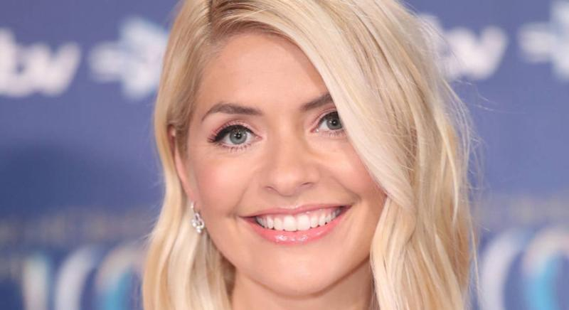 Holly Willoughby wears nude lip at Dancing on Ice final (Getty Images)