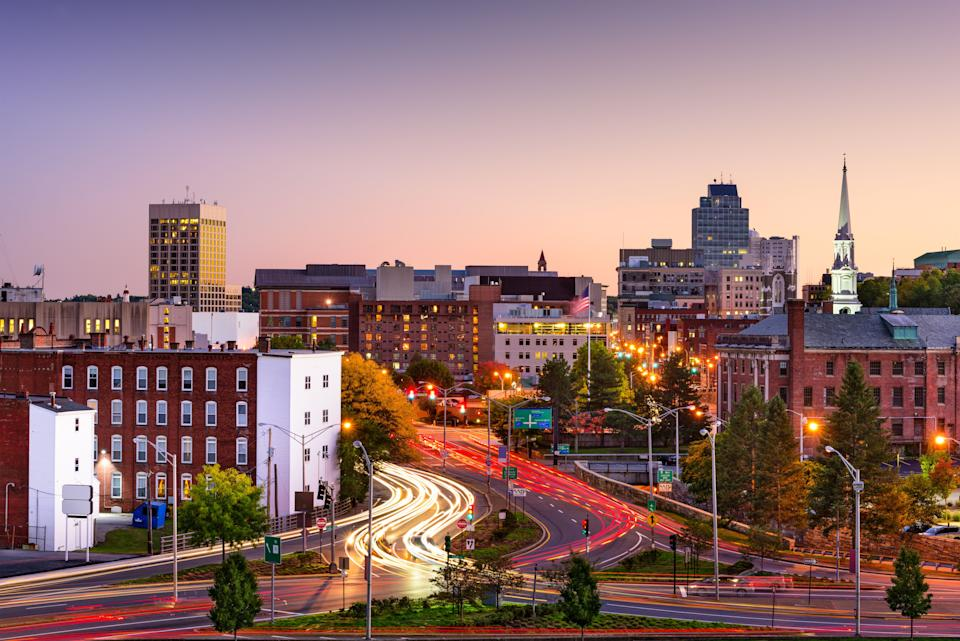 Worcester at rush hour.Candria Gray has been fighting for a better public transit system in the Massachusetts city. (Photo: SeanPavonePhoto via Getty Images)