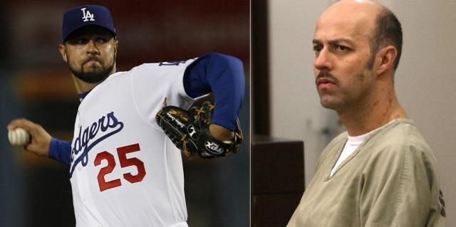 Esteban Loaiza's look has changed a lot since his days as a respected MLB pitcher. (AP/San Diego Union-Tribune)