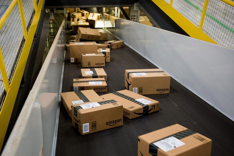 Amazon to Idle Warehouse With Virus Cases For Indefinite Period