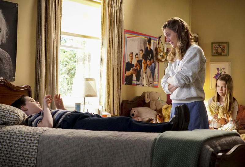 Iain Armitage with Zoe Perry and Raegan Revord in Young Sheldon. (Photo: Warner TV)