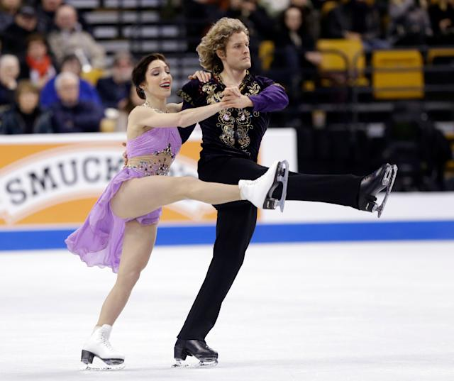 Meryl Davis and Charlie White compete during the ice dance free skate at the U.S. Figure Skating Championships Saturday, Jan. 11, 2014 in Boston. (AP Photo/Steven Senne)