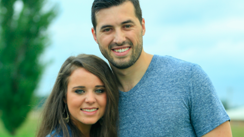 Jinger Duggar and Husband Jeremy Vuolo Share Stunning Maternity Photos