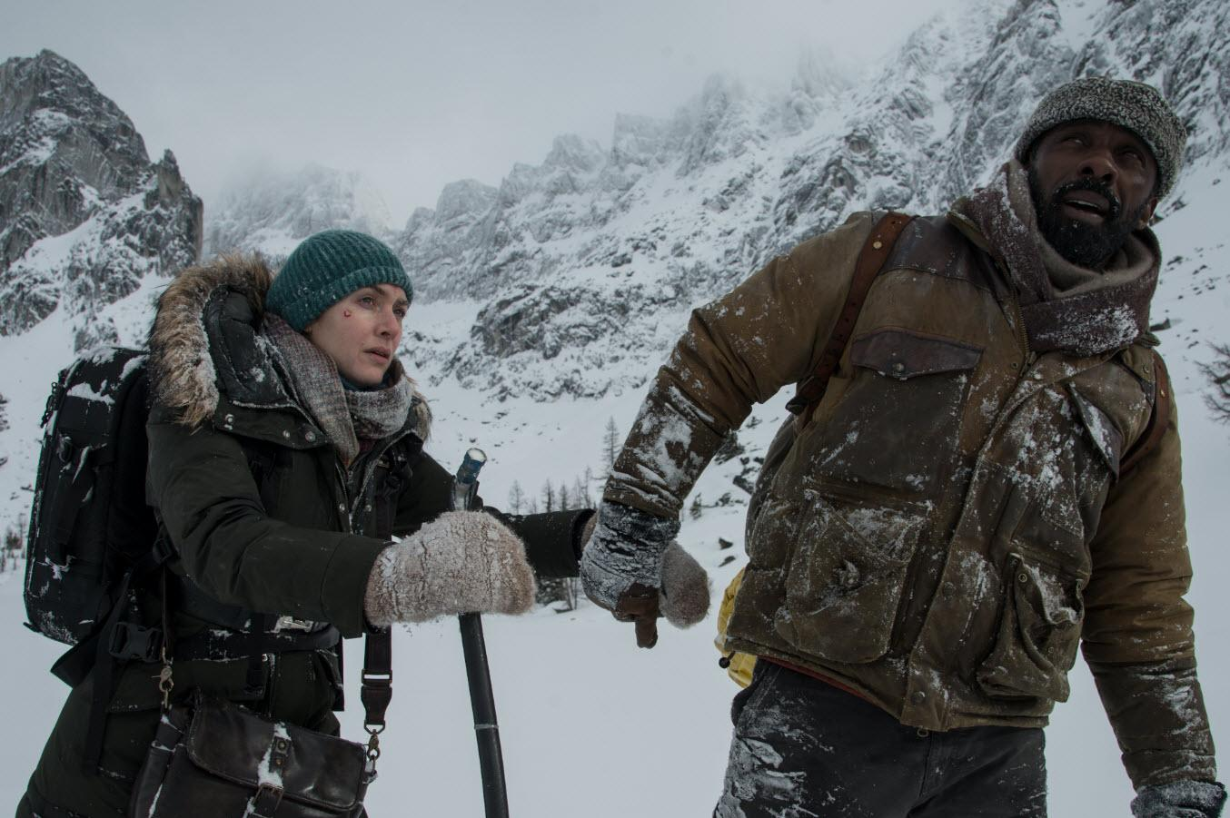 Kate Winslet and Idris Elba in 'The Mountain Between Us' (credit: 20th Century Fox)