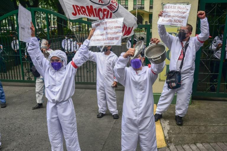 About 40 percent of private hospital nurses have resigned since the start of the pandemic (AFP/Maria TAN)