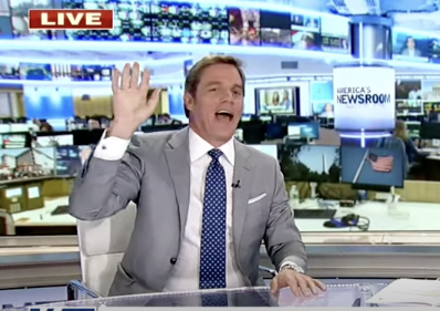 Fox News anchor Bill Hemmer said he walked out of a restaurant after being asked for his vaccine card.  (Fox News screen grab)