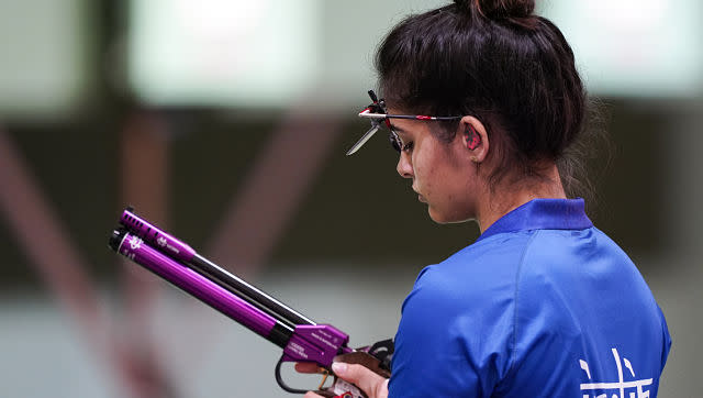 Manu Bhakr of India was unlucky in the 10m air pistol qualifications as her pistol was broken during the match and she lost more than twenty minutes during the sixty-minute match. AP