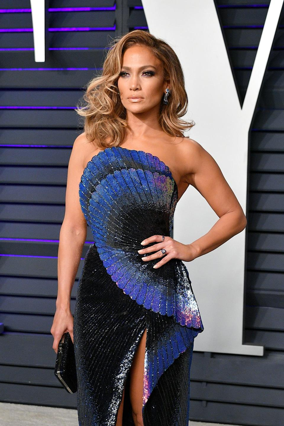 BEVERLY HILLS, CA - FEBRUARY 24:  Jennifer Lopez attends the 2019 Vanity Fair Oscar Party hosted by Radhika Jones at Wallis Annenberg Center for the Performing Arts on February 24, 2019 in Beverly Hills, California.  (Photo by Dia Dipasupil/Getty Images)