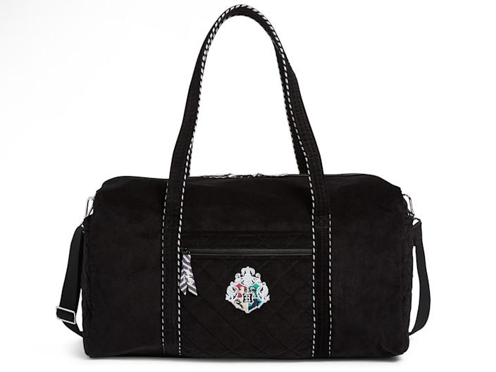 The tote comes in a Hogwarts crest design.