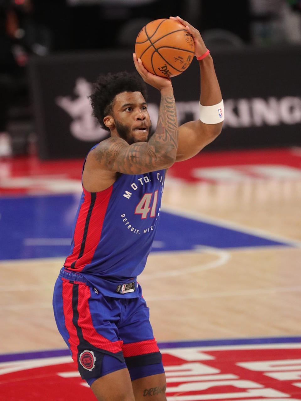 Pistons forward Saddiq Bey shoots during the third period of the 114-110 loss to the 76ers at Little Caesars Arena on Saturday, Jan. 23, 2021.