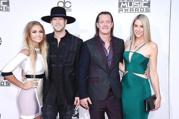<p>Taking a page from Pharrell, Brian Kelley wore an unusual and noteworthy hat on the red carpet. <i>(Photo: Getty Images)</i></p>