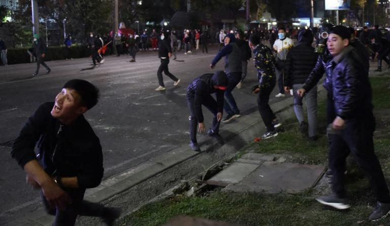 Kyrgyz protesters take government house, free ex-leader after after post-vote clashes