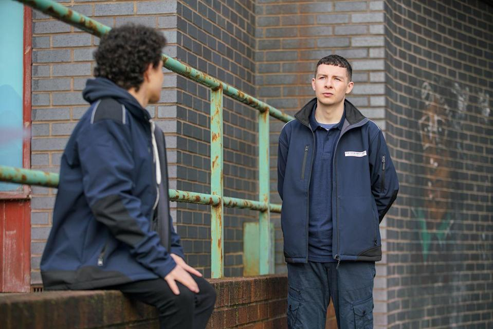 <p>As Simon continues to do deliveries for the chippy, Jacob encourages him to make a delivery of a different kind.</p>