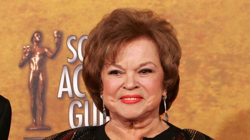 'Secret smoker' Shirley Temple died of lung disease