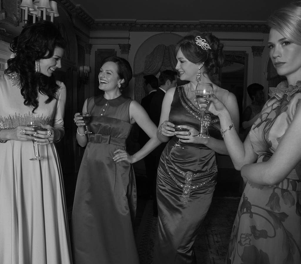 Megan Draper (Jessica Pare), Betty Francis (January Jones), Joan Harris (Christina Hendricks) and Betty Francis (January Jones) - Mad Men - Season 6