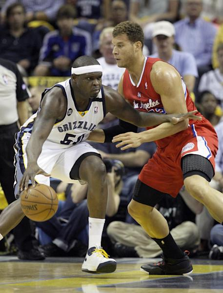 Los Angeles Clippers' Blake Griffin, right, defends against Memphis Grizzlies' Zach Randolph, left, during the first half of Game 4 in a first-round NBA basketball playoff series in Memphis, Tenn., Saturday, April 27, 2013. (AP Photo/Danny Johnston)