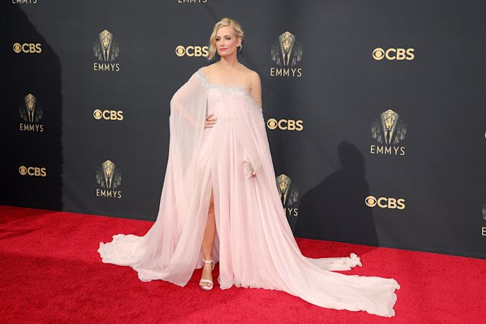 Beth Behrs Emmys red carpet 2021 (Rich Fury / Getty Images)