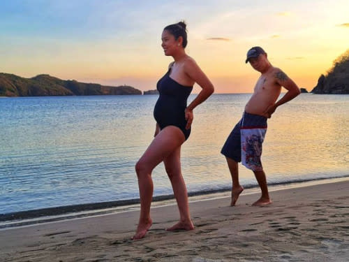 Chito Miranda said that he is just full, not pregnant, for this hilarious photo.