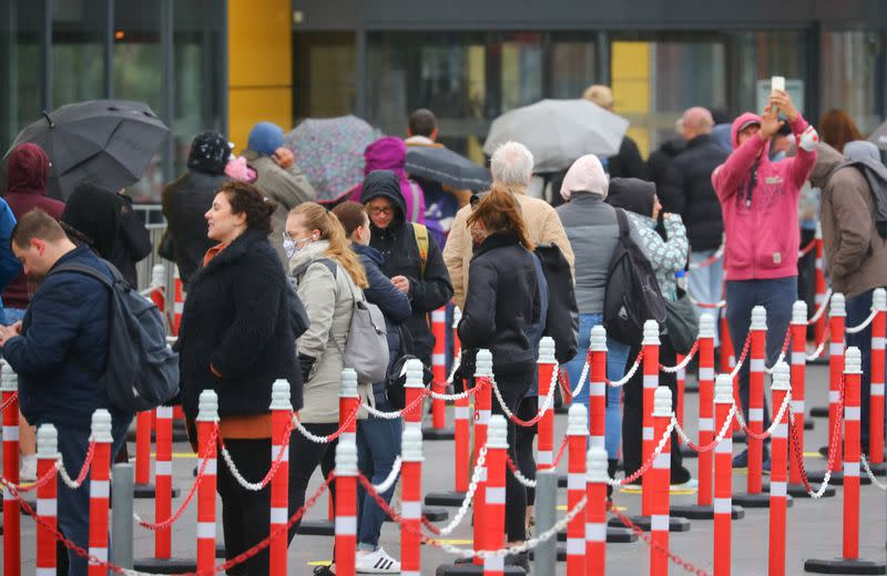 Euro zone sentiment rebounds more than expected, but unemployment up