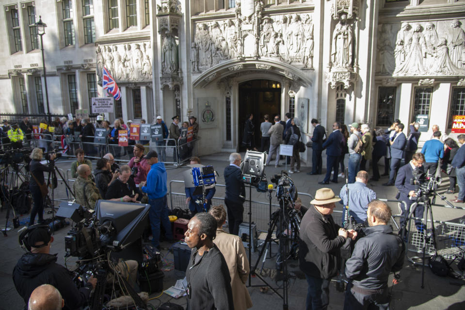 On day one of the hearing media and protesters gather outside the Supreme Court in London, UK on September 17, 2019. Supreme Court judges will decide if Prime Minister Boris Johnson acted unlawfully in advising the Queen to prorogue parliament. (Photo by Claire Doherty/Sipa USA)