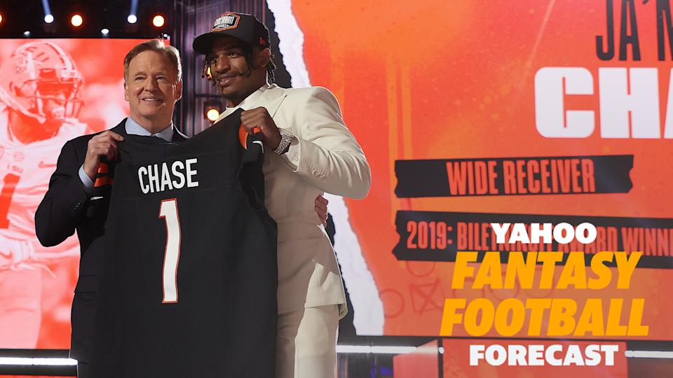 Cincinnati Bengals WR Ja'Marr Chase poses with NFL commissioner Roger Goodell on Thursday night. (Photo by Gregory Shamus/Getty Images)