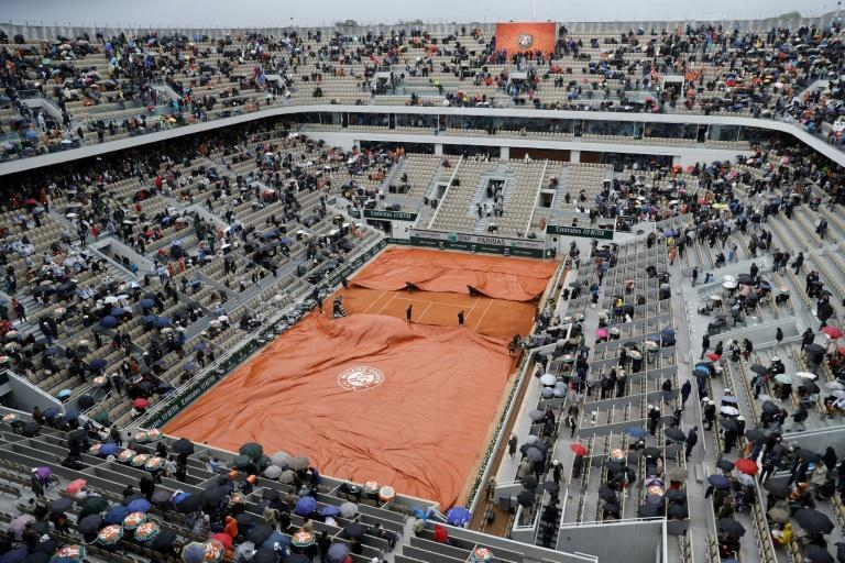 With the new dates, the action at Roland Garros would start a week after the US Open (AFP Photo/Thomas SAMSON)