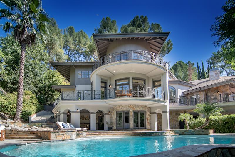 The pool and the back of the house are stunning. (Photo: Adam Latham)