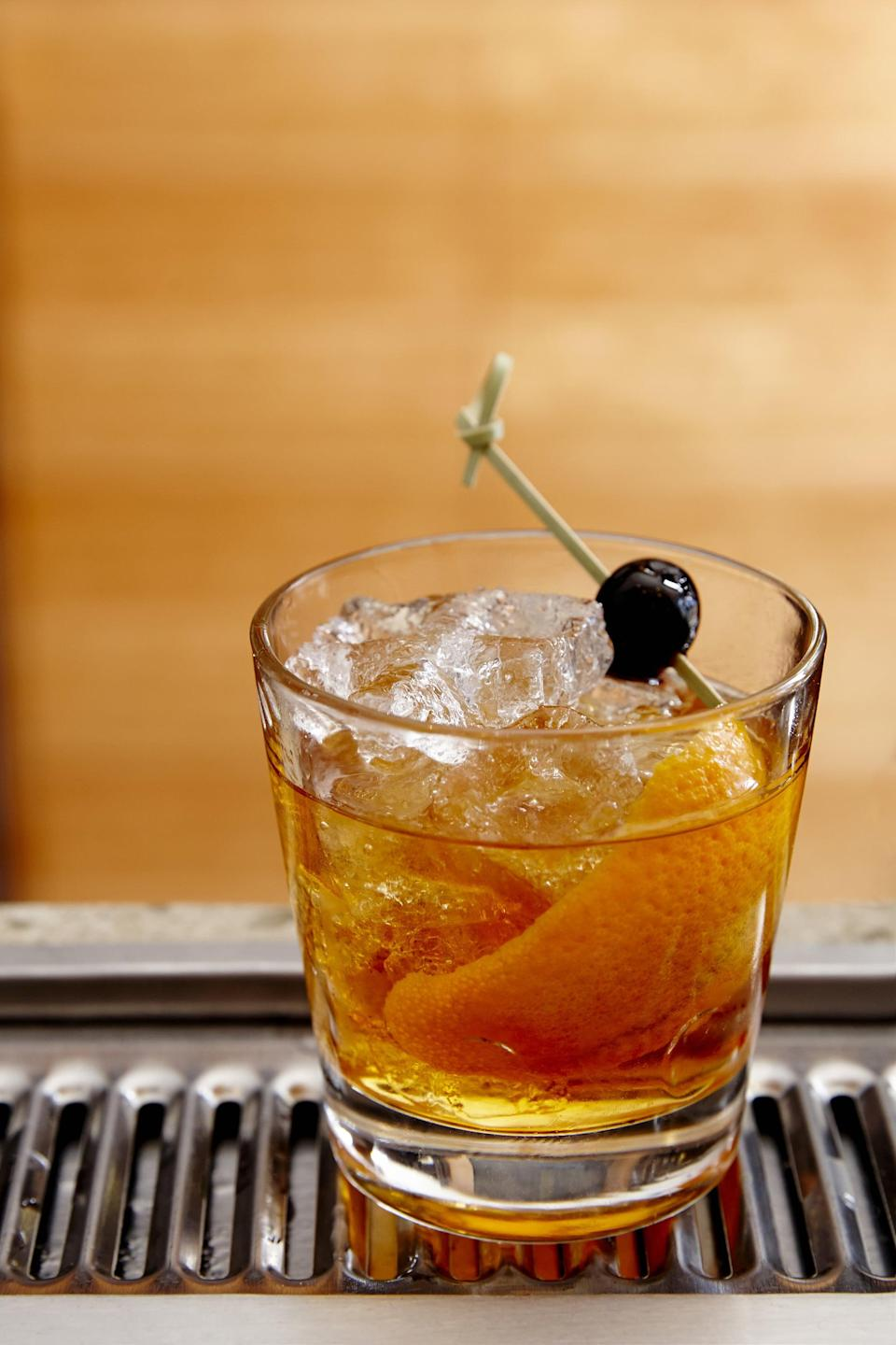 """<p>Washington locals are craving bourbon whiskey with a little sugar and a dash of bitters stirred up with quality ice and garnished with an orange peel, and we have no choice but to stan. Old fashioned cocktails are seriously good, so we know they're doing something right.</p> <p><strong>Get the recipe</strong>: <a href=""""https://www.popsugar.com/buy?url=https%3A%2F%2Fwww.bonappetit.com%2Frecipe%2Fbest-old-fashioned&p_name=old%20fashioned&retailer=bonappetit.com&evar1=yum%3Aus&evar9=47471653&evar98=https%3A%2F%2Fwww.popsugar.com%2Ffood%2Fphoto-gallery%2F47471653%2Fimage%2F47475208%2FWashington-Old-Fashioned&list1=cocktails%2Cdrinks%2Calcohol%2Crecipes&prop13=api&pdata=1"""" class=""""link rapid-noclick-resp"""" rel=""""nofollow noopener"""" target=""""_blank"""" data-ylk=""""slk:old fashioned"""">old fashioned</a></p>"""