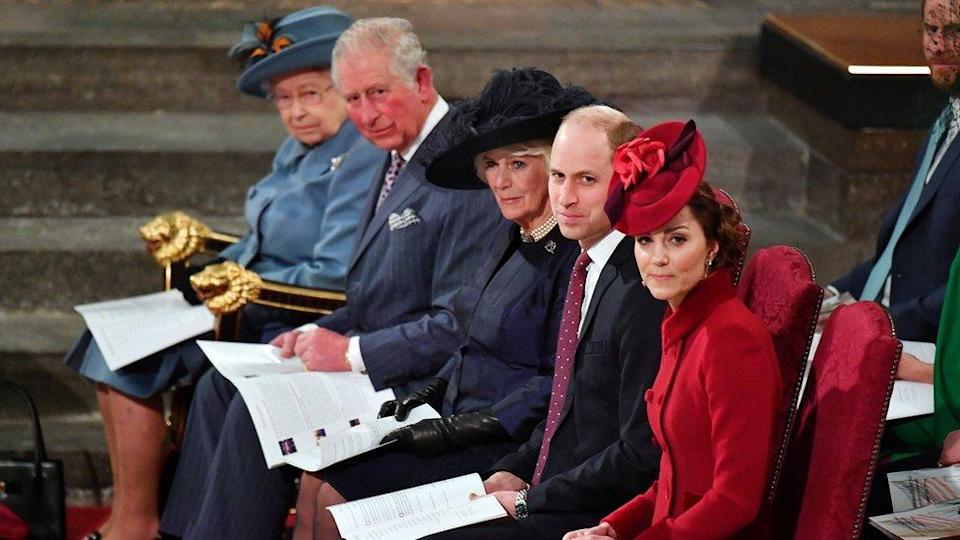 La reina Isabel, el príncipe Carlos, Camilla de Cornwall, el príncipe William y Kate Middleton