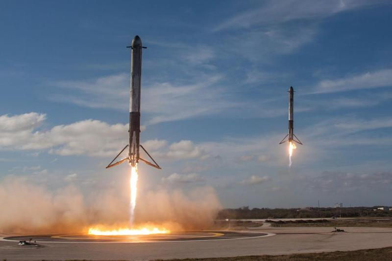 spacex-boosters-land