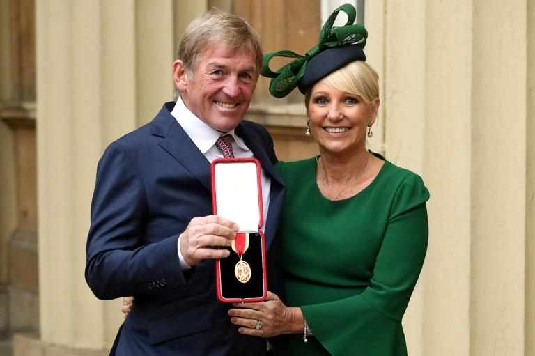 Kenny Dalglish with his wife Marina after being knighted in 2018