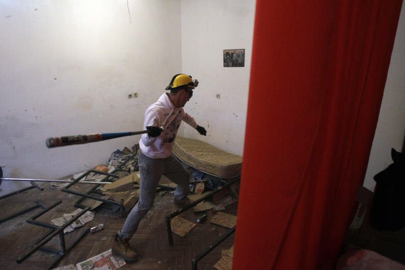"""Serbs set up """"Rage Room"""" for unleashing anger"""