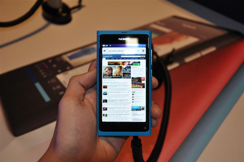 THe N9 comes with a snappy browser.