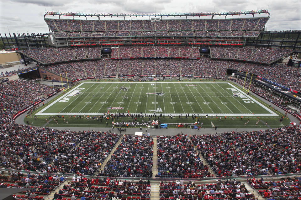 Fans were ready for daytime football: ratings for the afternoon games on CBS and Fox were up from last year. (AP)