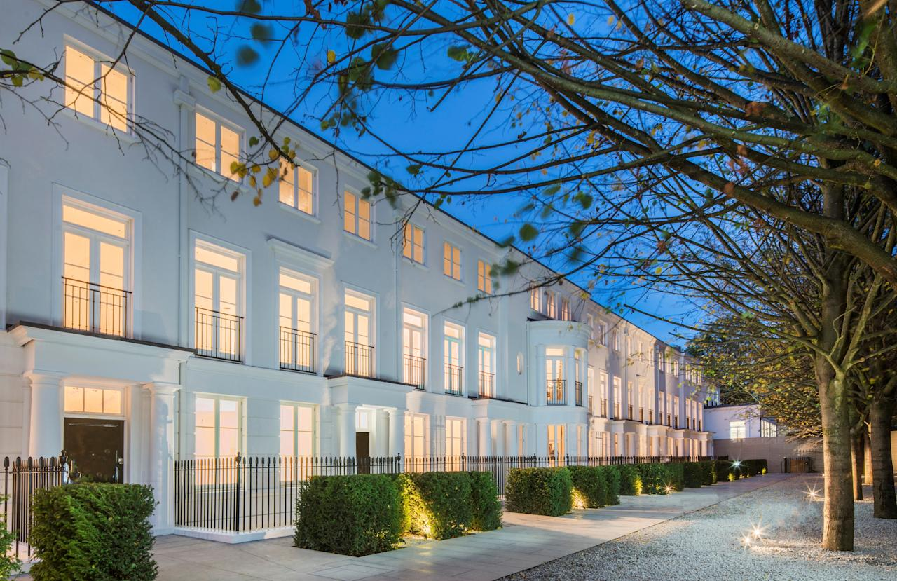 <p>Hamilton Drive is a tree-lined avenue of ten Georgian-style homes where the cleaners and butlers are provided by Harrods. </p>