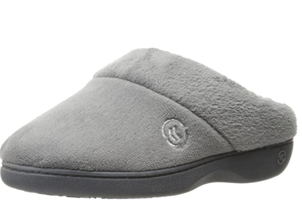 Isotoner Arch Support Slipper in Ash (Photo via Amazon)