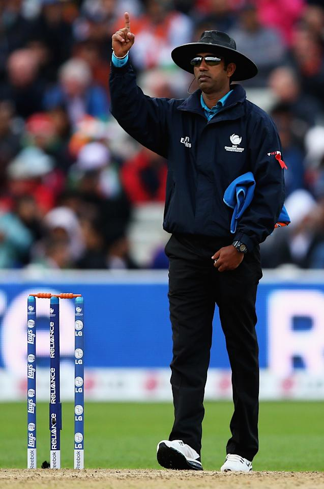 BIRMINGHAM, ENGLAND - JUNE 23:  Umpire Kumar Dharmasena in action during the ICC Champions Trophy Final between England and India at Edgbaston on June 23, 2013 in Birmingham, England.  (Photo by Matthew Lewis-ICC/ICC via Getty Images)