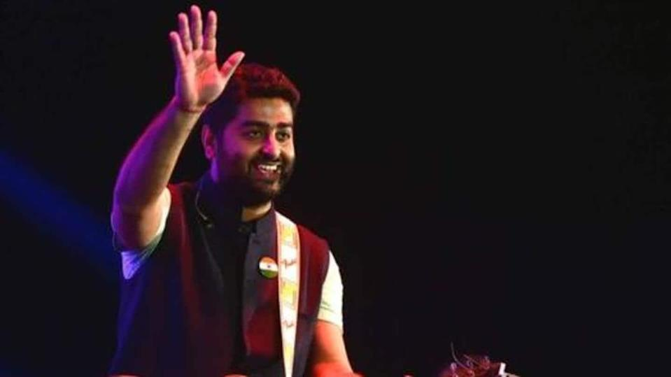 Arijit Singh completes a decade in Bollywood, fans celebrate feat