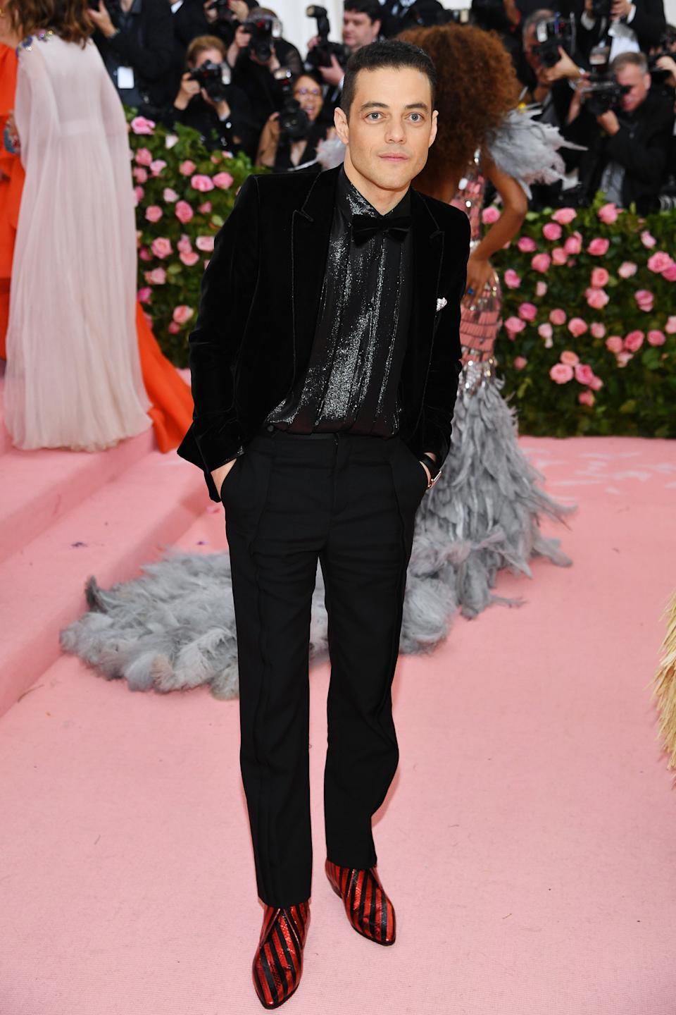 """<h1 class=""""title"""">Rami Malek in Saint Laurent wearing Cartier jewelry</h1><cite class=""""credit"""">Photo: Getty Images</cite>"""
