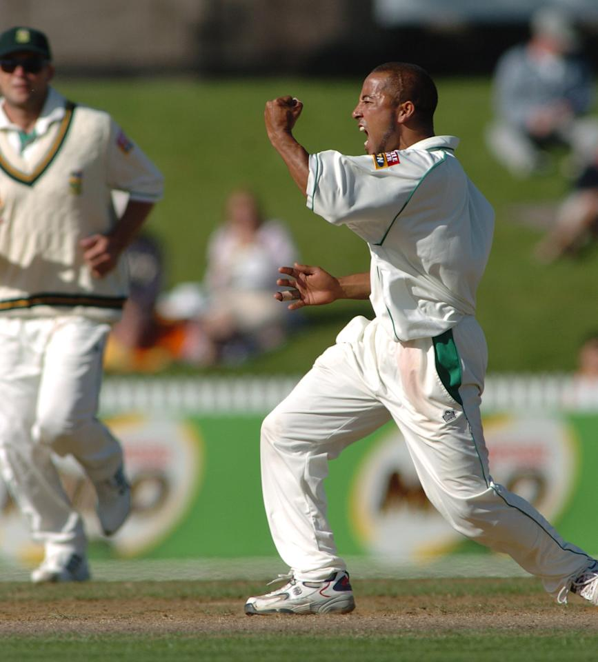 NEW ZEALAND - MARCH 11:  South Africa's Paul Adams celebrates his LBW of New Zealand captain Stephen Fleming, out for 27 runs on day two of the first cricket test played at Westpac Park in Hamilton, New Zealand, Thursday, March 11th, 2004. New Zealand finished the day on 102 for two chasing South Africa's first innings total of 459  (Photo by Phil Walter/Getty Images)