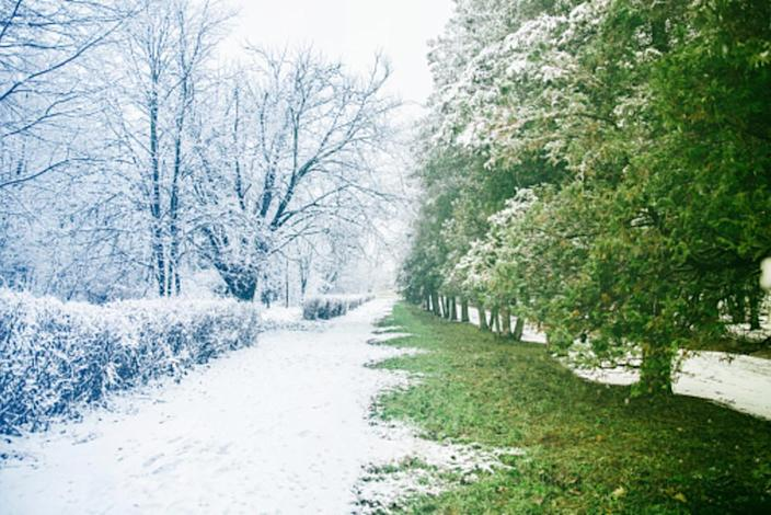 Cold front zaps warmth from the Prairies, burst of snow on doorstep