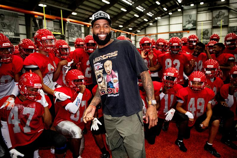 new style a324d a0df0 Odell Beckham Jr. surprises Ohio high school football team