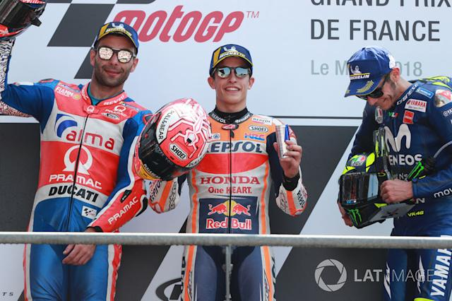 "Podio: 1º Marc Marquez, 2º Danilo Petrucci, 3º Valentino Rossi <span class=""copyright"">Gold and Goose / LAT Images</span>"