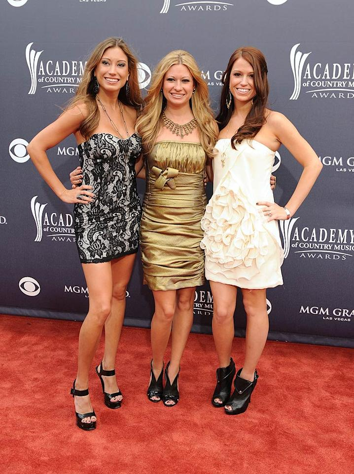 """Carter's Chord  Grade: B-   Musical sisters Emily, Becky, and Joanna Robertson looked cute in their minis. Too bad they paired their fun frocks with clunky footwear! Denise Truscello/<a href=""""http://www.wireimage.com"""" target=""""new"""">WireImage.com</a> - April 3, 2011"""